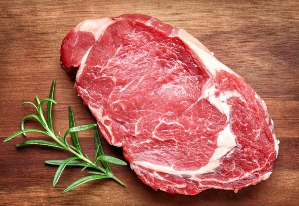 2 Rib - Eye Steaks vom Oderwiesenrind + 1 x 6 Rindergrillwürste